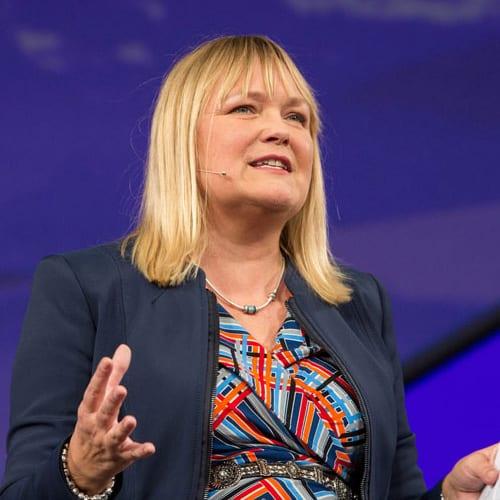 Nadine Dereza